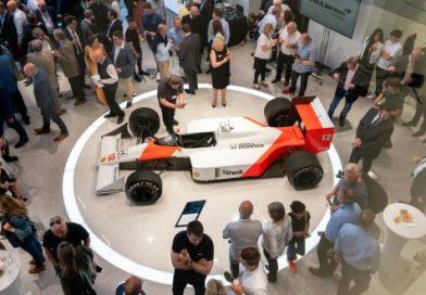 Cambria abre el concesionario McLaren en Hatfield
